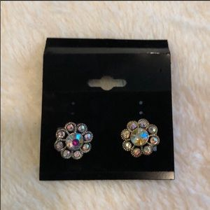 Multicolored Flower Stud Post Earrings VGUC